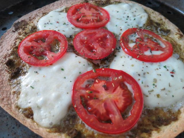 Tomato & Mozzarella Skinny Pizza